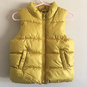 Old Navy puffer vest || 12-18 month || never worn!
